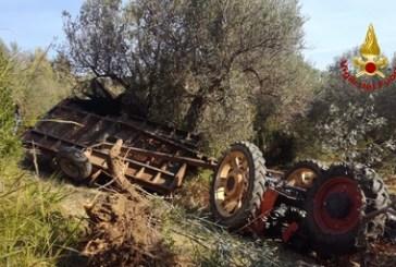 Guglionesi, 41enne si ribalta con il trattore e muore