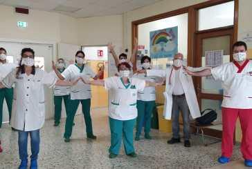 La Tribù dei sorrisi onlus dona mascherine realizzate a mano al San Francesco