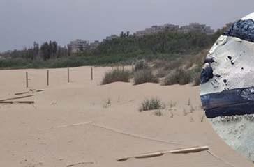 Fanno un falò con i pali delle dune, scatta la denuncia
