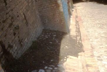 Loggia Amblingh, da sotto Casa Rossetti continua a uscire acqua
