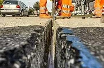 Lavori di scavo della fibra ottica, scatta il divieto di sosta in 23 strade di Vasto