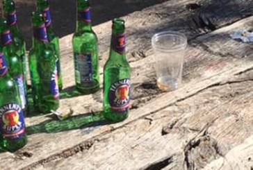 Villa Comunale di Vasto nel degrado: rifiuti, vetri e giochi rotti