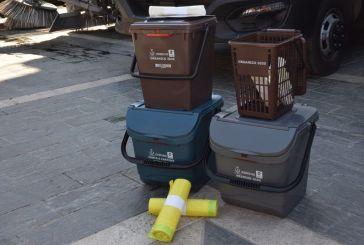 Aperta anche di sabato la sede della Sapi per ritirare i nuovi contenitori per la raccolta differenziata a San Salvo