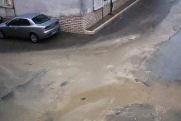 Strade sconnesse per interventi rete fognante, il Comune di San Salvo diffida la Sasi