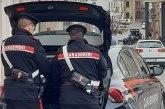 Arriva in autobus per spacciare, fermato dai Carabinieri