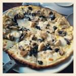 afriques-chicken-pesto-pizza