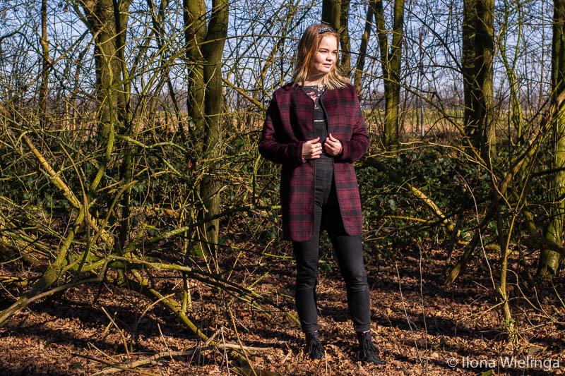 jas 3 outfit inspiratie crunge outfit tuinbroek geblokte only jas met dr martens