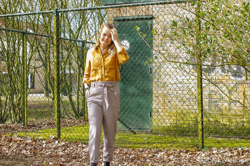 outfit 8 paperbagbroek H&M okergele blouse Primark