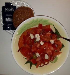 Tomati-juustusalat