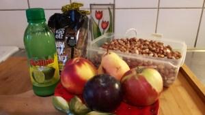 Nektariini-pirni-õuna-ploomisalat