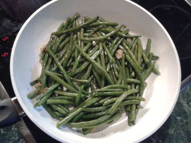 fazolky zelené s česnekem