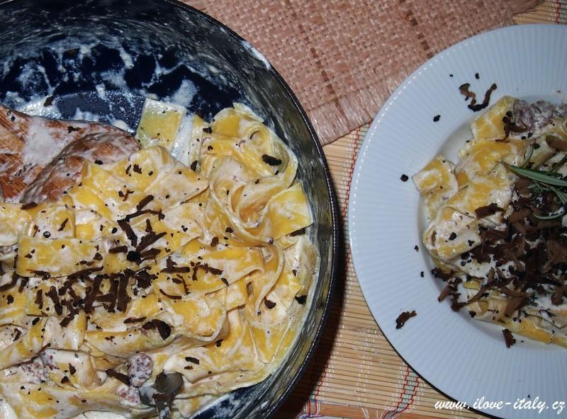 těstoviny s lanýžem