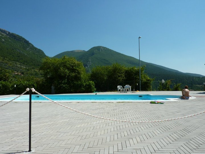 bazén gualdo tadino itálie