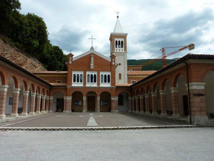 kostel v umbrii gualdo tadino