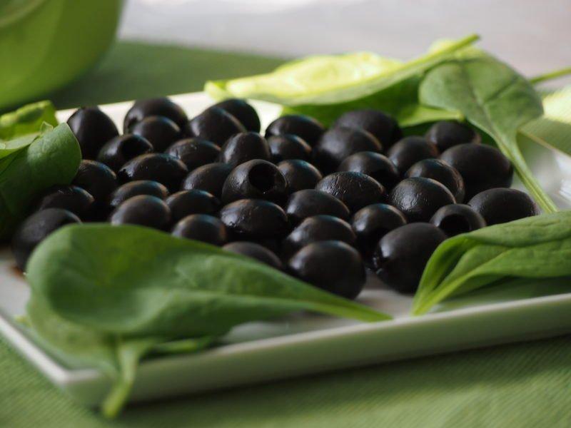 černé olivy italské