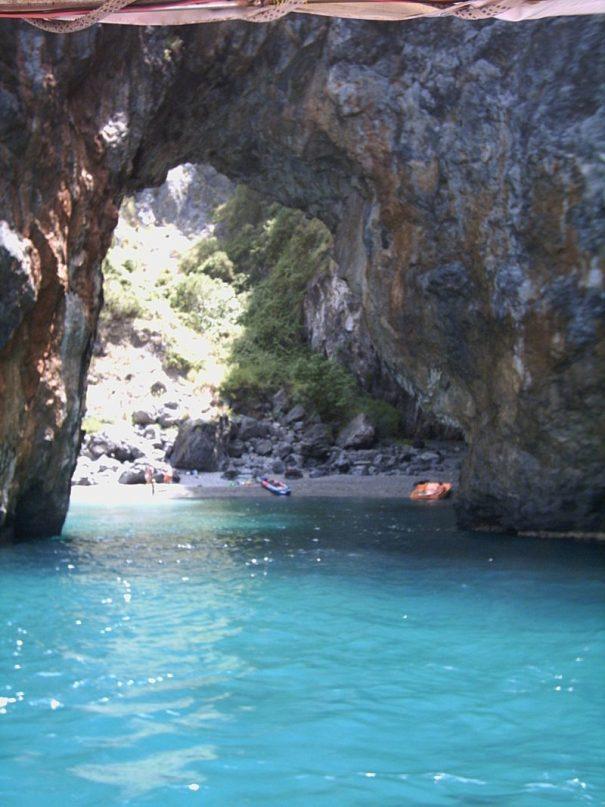 jeskyně itálie