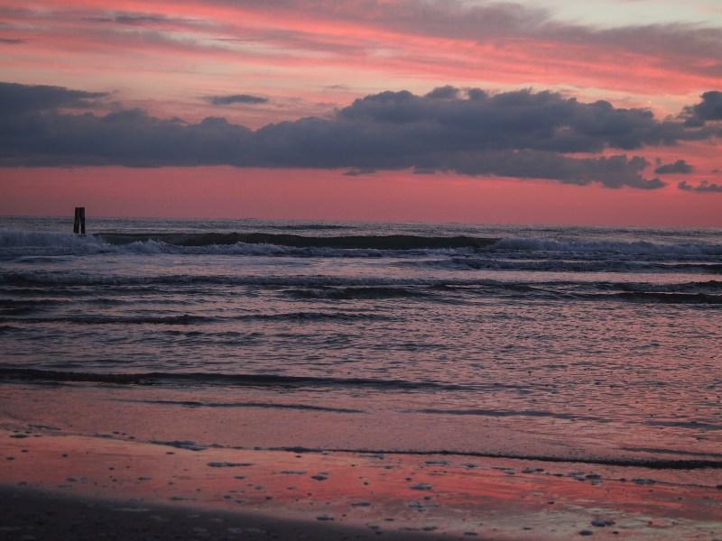 moře v rimini úsvit ráno