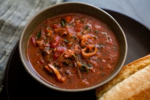 calamari-tomato-sauce (1)