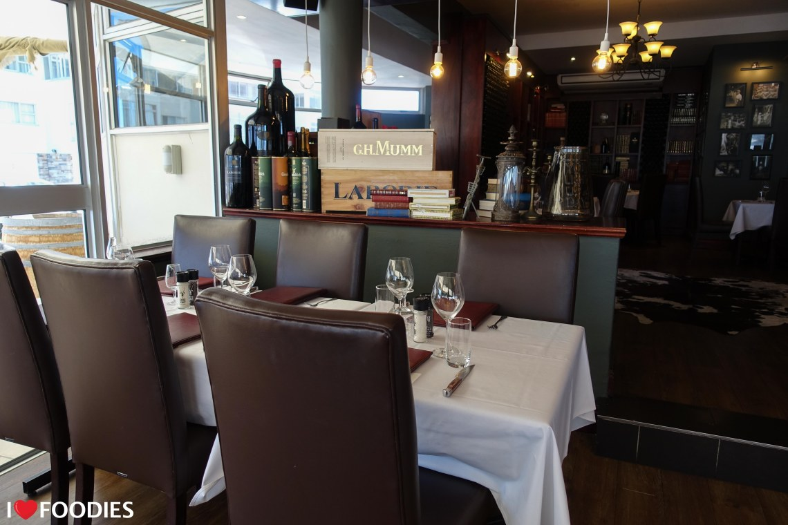 Hussar Grill seating