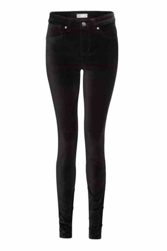 FIVE SEXY BLACK JEANS WITH CURVE APPEAL - ilovejeans.com