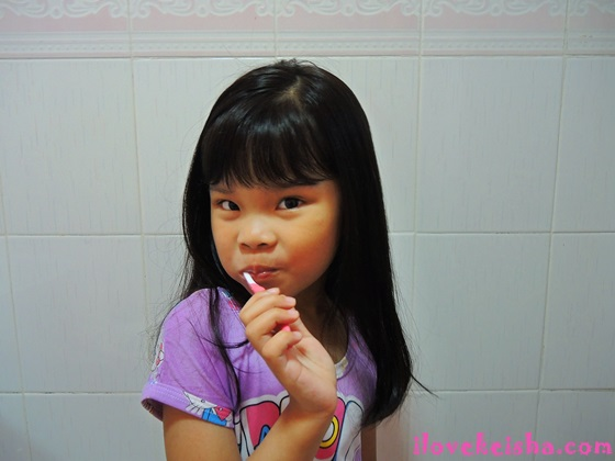 "Tips On How To Make Toothbrushing ""HAPEE"" Time For Kids"