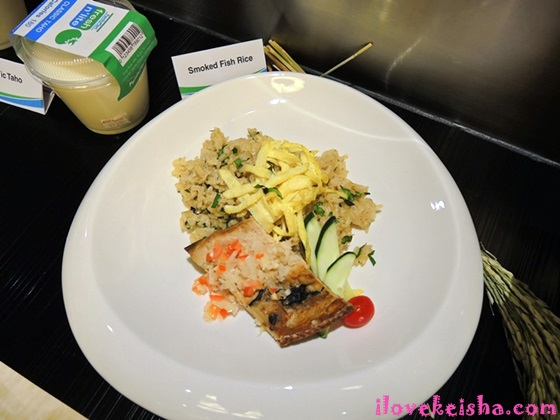 Smoked Fish Rice Meal by FamilyMart