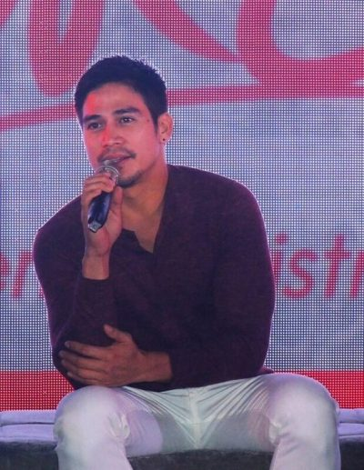 Cherry Mobile Cares #CherryChristmas Piolo Pascual