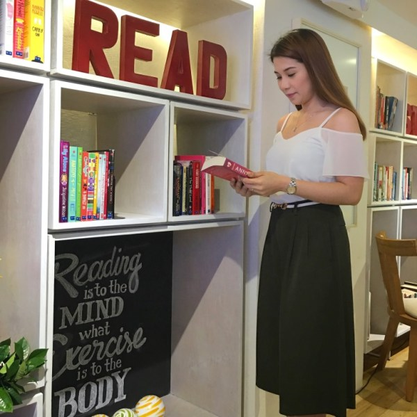 Book & Borders Cafe BGC 3
