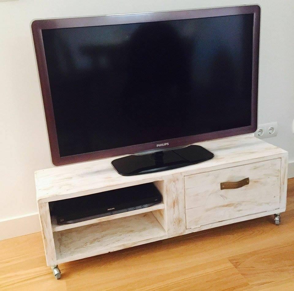 Un mueble de palet para la televisin moderno  I Love Palets