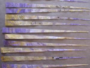 Tiras de talão de papel cortado e pronto para rolar em esferas