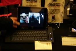 CES 2012 : Accessoire iHome IDM5, un dock / clavier pour tablette tactile avec port USB 3