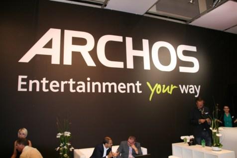 Prise en main de la tablette Archos 97 carbon au salon IFA 2012 à Berlin 7