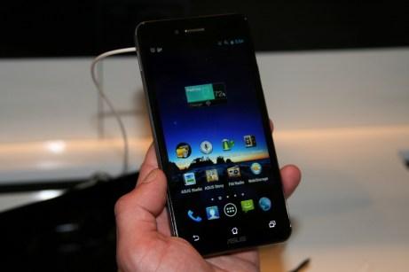 [MWC 2013] Découverte du Asus PadFone Infinity, entre smartphone et tablette tactile 8