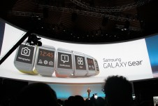 Samsung Galaxy Gear : caractéristiques, photos et vidéo de prise en main (poignet !) 3