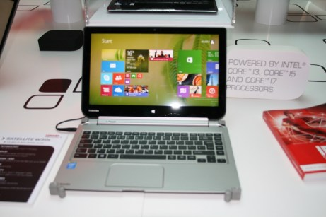IFA 2013 : Prise en main du PC convertible Toshiba W30T sous Windows 8 2