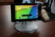 Test accessoire pour tablette : Just Mobile UpStand deluxe pour iPad, Android et Windows 8 9