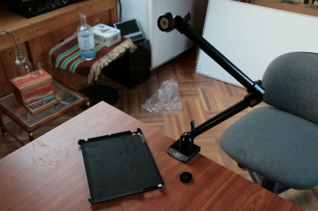 Test support et bras articulé pour iPad : Joyfactory Tube Tournez C-Clamp Mount 4