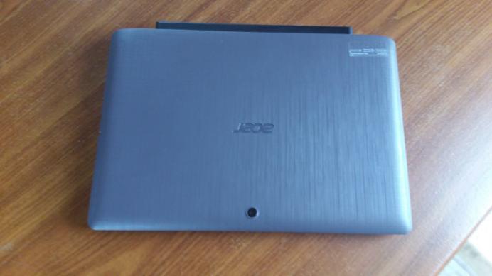 Test et avis tablette Acer Aspire Switch 12 E coque dos