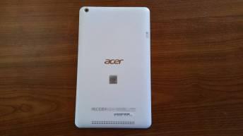 Test et avis tablette Acer Iconia One 8 back