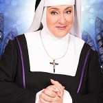 Recensie: Karin Bloemen laat Sister Act Bloeien!
