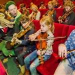 100 kinderen spelen viool in Efteling Theater
