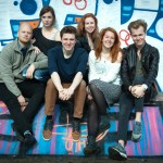 CAST CARRY SLEE-MUSICAL RAZEND BEKEND