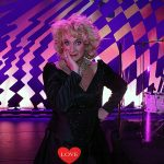 Karin Bloemen ruimt op in haar nieuwe show 'Souvenirs'