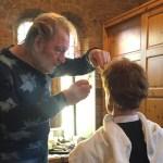 Meester-grimeur Arjen van der Grijn brengt Titus tot leven