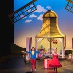 Eerste coronaproof drive-in theater van Nederland opent haar deuren in Jaarbeurs in Utrecht en brengt de familievoorstelling Juf Roos