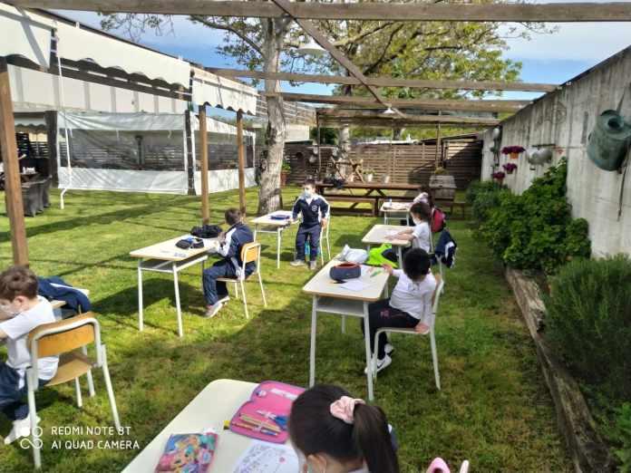 San Gennaro Vesuviano, i giovani della 'Cozzolino-D'Avino' frequentano la scuola all'aperto