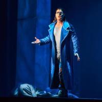 Il cantante reggianoMatteo Setti reinterpreta Gringoire nel Notre-Dame de Paris