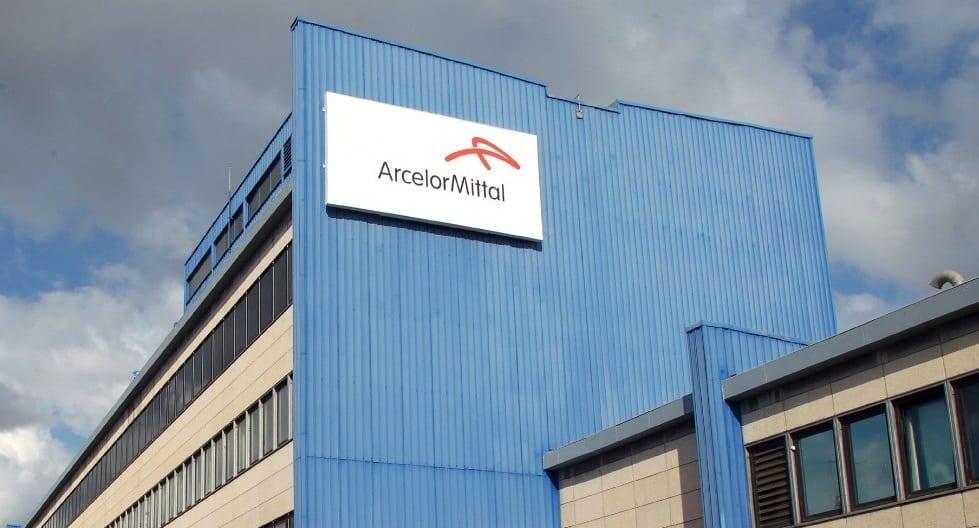"""Ilva, Arcelor Mittal deposita atto di recesso. I sindacati: """"Produzione è ferma"""""""