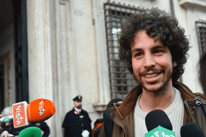 """Il delirio di Santori: """"Il sovranismo favorisce il contagio, sardine vigileranno sull'odio"""""""