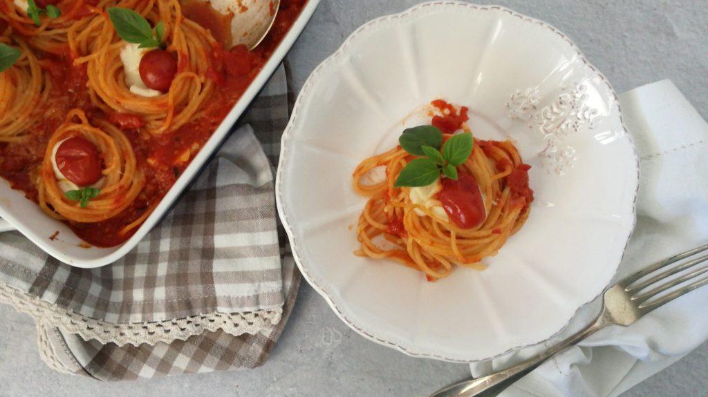 Nidi di spaghetti con pomodoro corbarino e provola affumicata  ilprofumodeldejavu